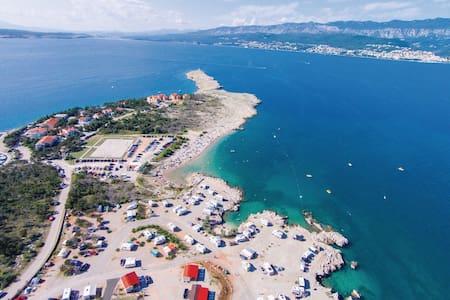Studio app 2 with a balcony sea view 100m to beach - Šilo