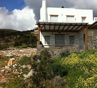 Villa Ouzo the best of sea & mountain! - Aspro Chorio - Villa