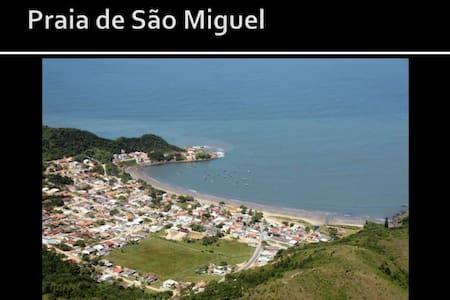 Casa com vist apar ao mar Penha SC - Praia