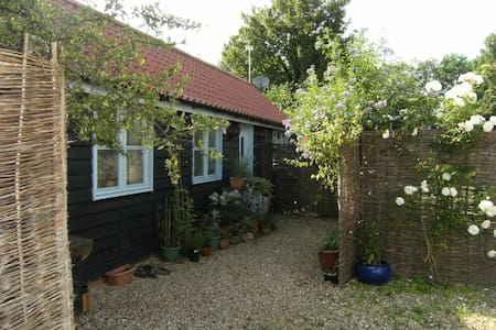 The Annexe, Bassingbourn. - Bassingbourn - Bungalow