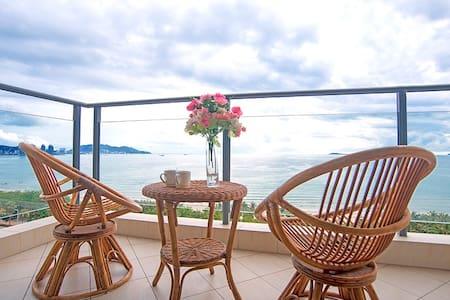 三亚湾路兰海花园三期A栋180度海景两房两厅2房2厅(三晚接机) - Sanya Shi