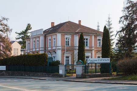 Penzion Expanze Jaroměř - Bed & Breakfast