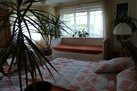 schöne, helle Wohnung im Alläu, Bergsicht, sonnig - Flat