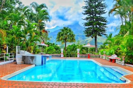 Peaceful Villa near Medellin - Copacabana