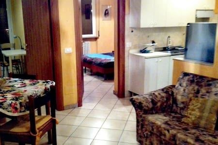 Camera ammobiliata - Novara
