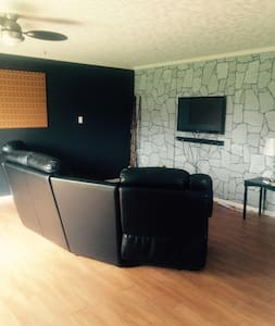3 Bedroom Fully Furnished Bungalow - Kitimat - Maison