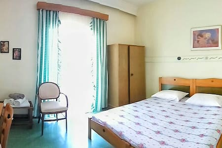 1 Bedroom with private bathroom&balcony 2 people - Guesthouse