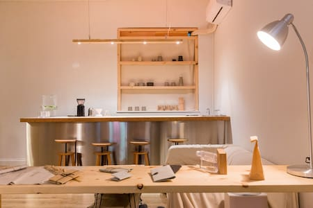 Minimal & Cozy Hostel Located in The Heart of HK - Guesthouse