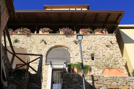Palazzo del Baglivo - Wellness Apartment (2 pax) - Casigliano - Bed & Breakfast