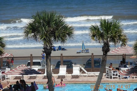RIGHT ON WORLD'S MOST FAMOUS BEACH! - Daytona Beach - Villa