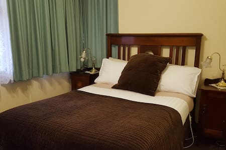 Orana house Norman Standard Room - Bed & Breakfast