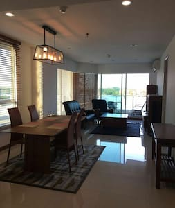 SUPERB 2BED/2BATH RIVER FRONT VIEW - Chao Phraya River - Apartment