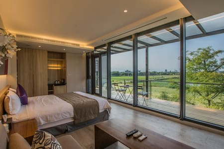 VILLA LOHERB Luxury Room 日光綠築 豪華雙人 - Dongshan Township - Bed & Breakfast