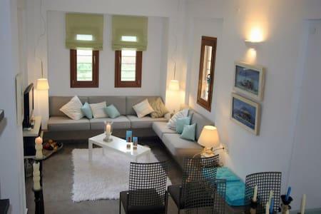 2 BD, Maisonette, Waterfront in Ierissos Athos - Ierissos - House