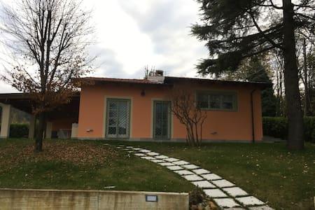 Intera casa con giardino e parco alberato - Tortona