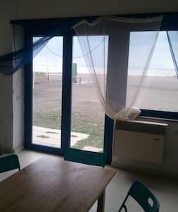 Appartamento con accesso diretto su spiaggia - Apartment