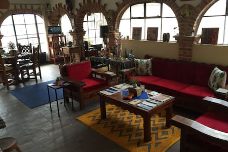 Artist Loft w/Balconies overlooking Church & City - San Miguel de Allende - Appartement