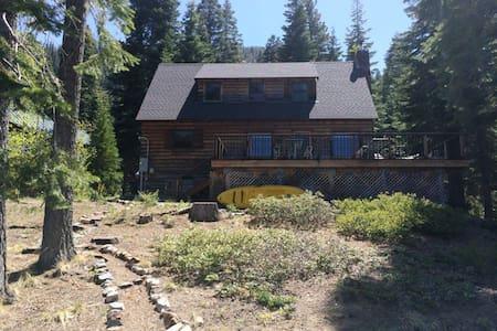 Waterfront Fallen Leaf 3 Bdr Cabin - Blockhütte