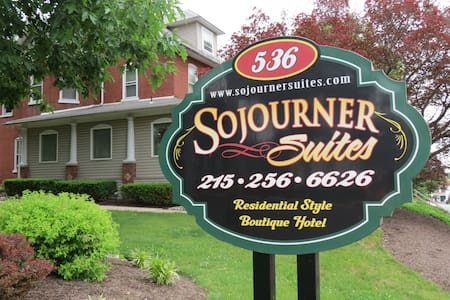 The Sojourner is a Victorian Estate - Harleysville - Huoneisto