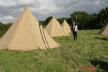 Edinburgh Festival Glamping Village - Ingliston - Tipi