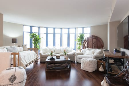 The DC Man Pad! Stately 3 Bedroom in Dupont Circle - Apartment