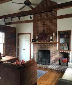 Historic Apartment in Fincastle - Fincastle - Apartment