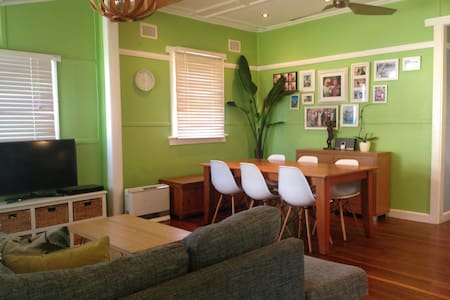 Modern Cosy Narrabeen Cottage - Ev