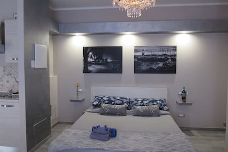 Old town new and Cozy apartment - Desenzano del Garda - Apartamento