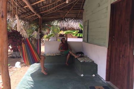 Sun Wind Beach Kalpitiya Cabana 4 - Blockhütte