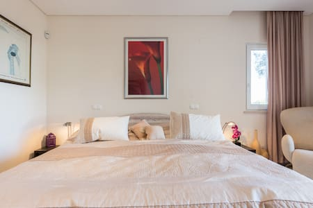 Large Private Suite with 2 bedrooms - Loulé - Haus