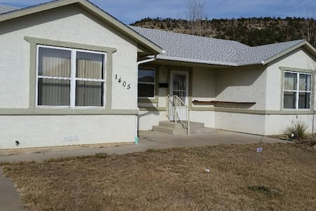 Newer 3 br Home with Beautiful View - House