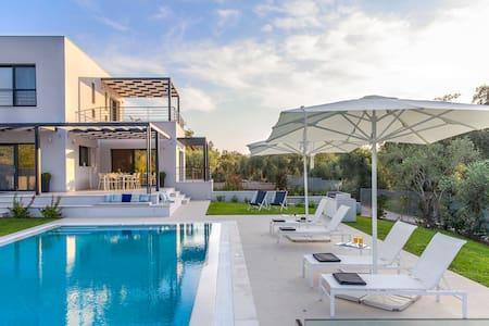 Villa Dione - Chalikounas - Villa