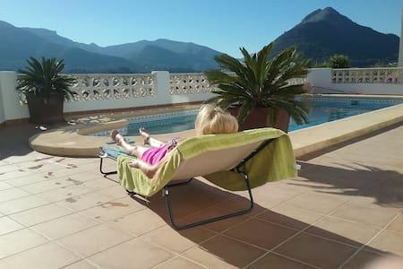 La Perla Blanca-  relax, stunning mountain views - Murla
