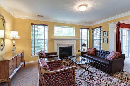 Great Location Great Home in Old Town - Alexandria - Condominium