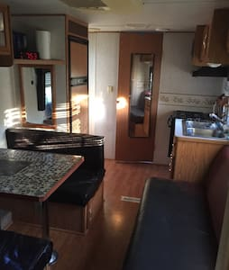 Rent this Rv on my private lake frt - Wohnwagen/Wohnmobil