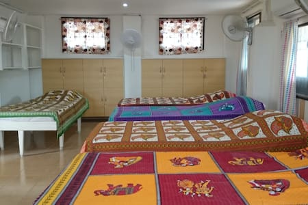 Lulla-by-the sea - Large Private Room at AaRaReeRo - Kanchipuram