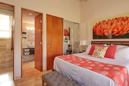 Ocean View Beachfront Villa,3BR Pool Golf Casino - Humacao