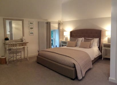Luxury suite rooms with views of Richmond, N.Yorks - Richmond - Bed & Breakfast