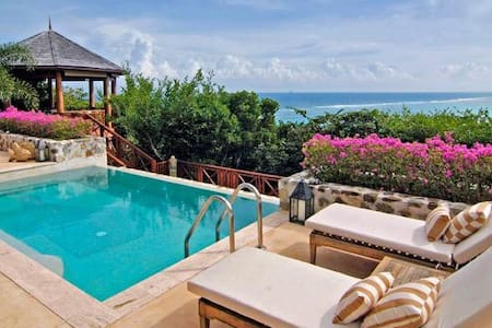 The Perfect Essence of Tropical Living - Carenage Bay - Villa