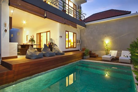 Two br villa, pool, center seminyak