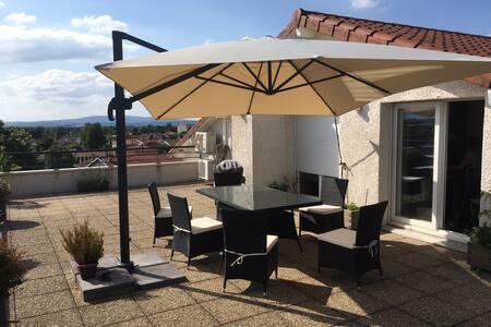 Chambre spacieuse portes de Lyon - Appartamento