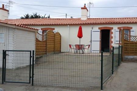 maisonnette indépendante (40m²) - Haus