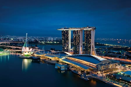 Room facing Marina Bay, best location in SG - Singapore