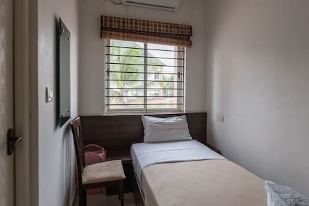 Opal AC Single Room - Ebenezer Suites, Whitefield - Szoba reggelivel