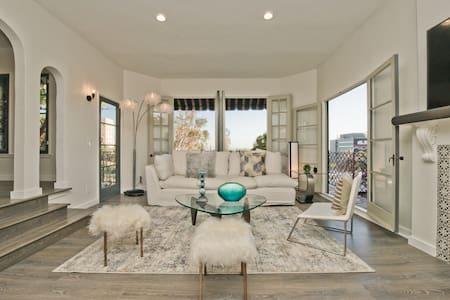 HUGE MODERN VILLA + PENTHOUSE  - HOLLYWOOD VIEWS - Los Angeles - Villa