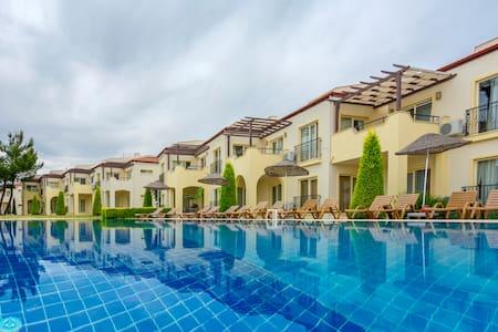 Apollonium SPA and Beach Resort, Zeus 48 - Apartamento