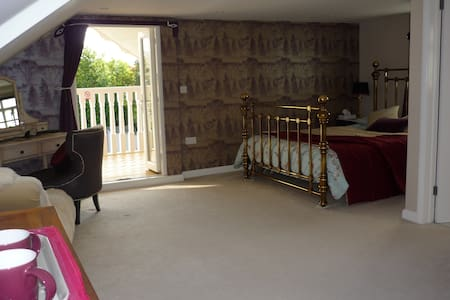Kingsize rm & ensuite+ Balcony nr goodwood/Arundel - Walberton