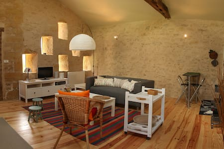 location indépendante dans propriété - House
