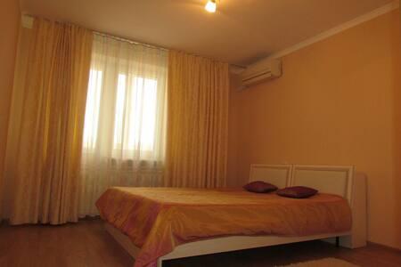 Большие Апартаменты на ул Тургенева - Apartment