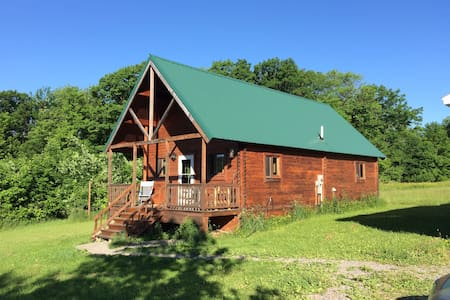 Mountain Queen Log Cabin - Freeville - Cabaña